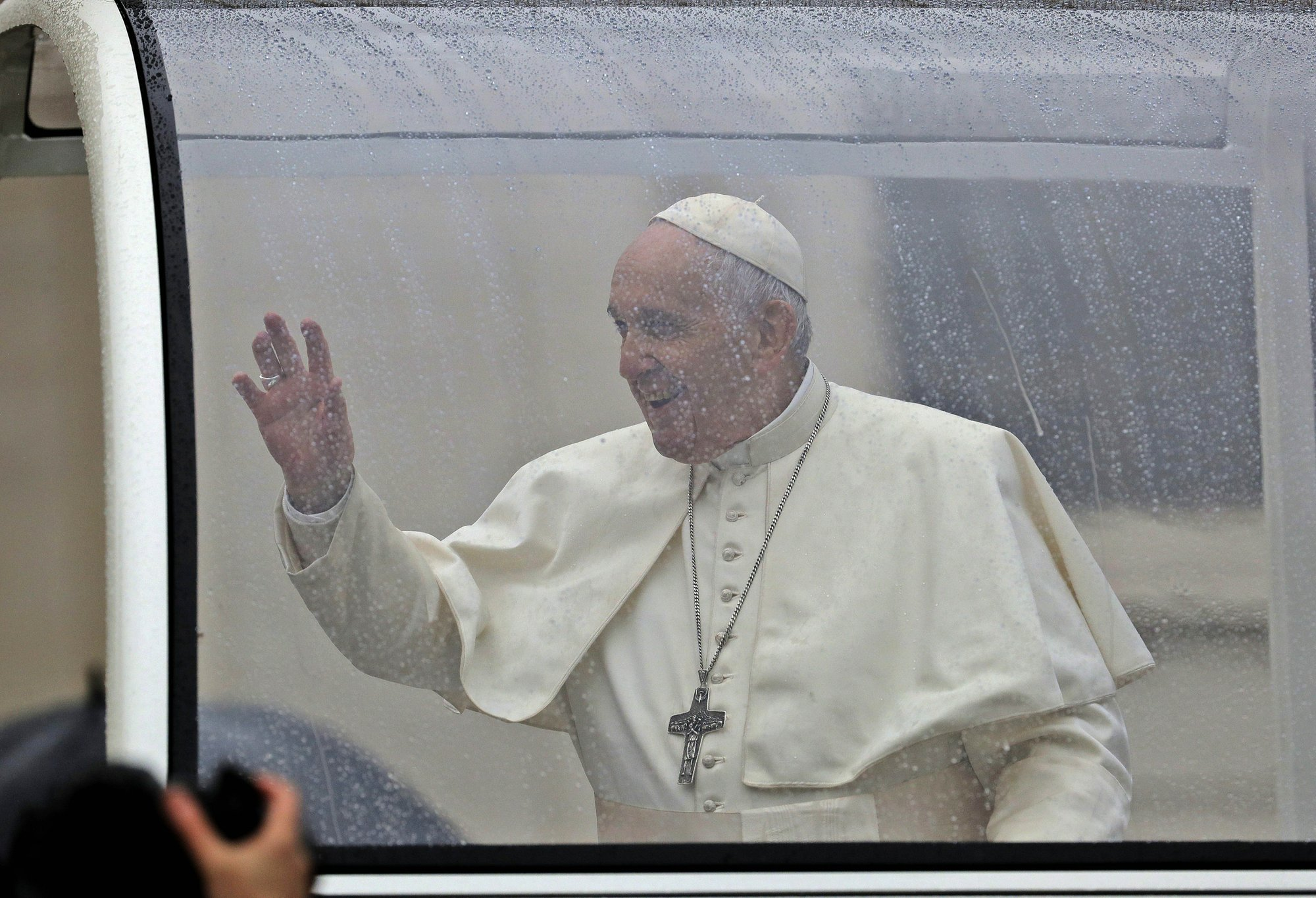 Pope invites foreign press association to Vatican next month