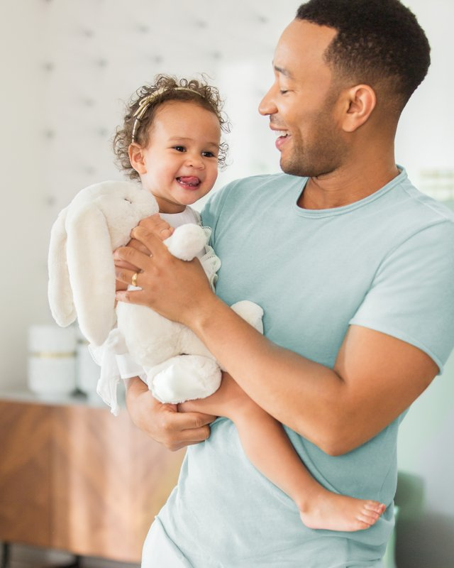 Pampers andJohn LegendCelebrate Dads This Father's Day with a Tribute to Everyday Moments