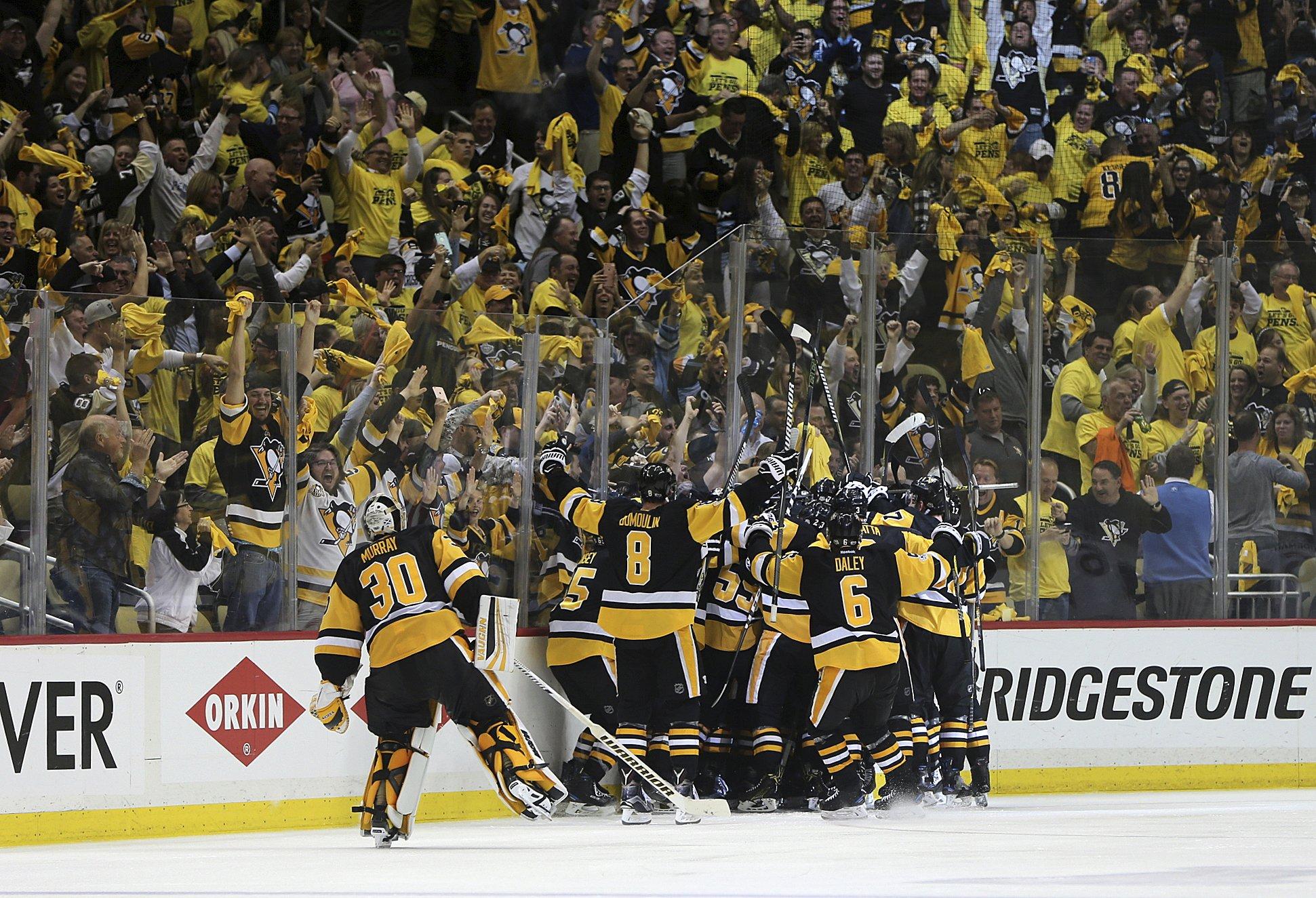 Kunitz's double-OT goal sends Penguins back to Stanley Cup