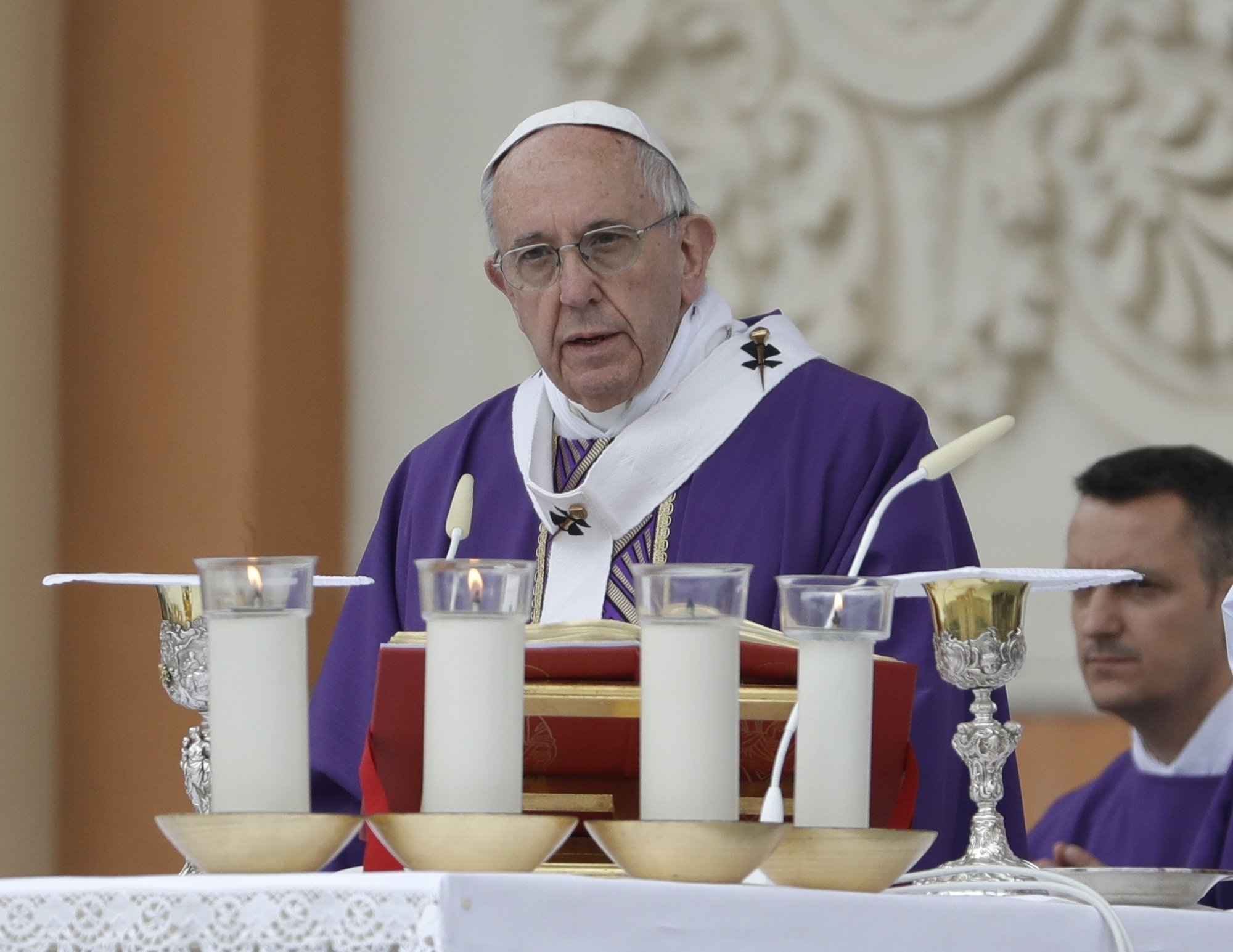 Pope offers prayers to victims of Colombia mud avalanche