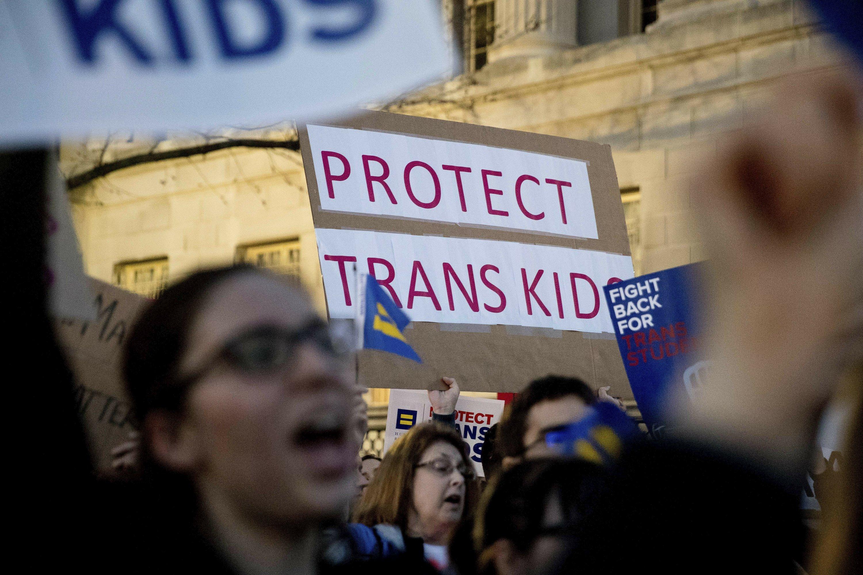 End of transgender bathroom rule gets conservative praise