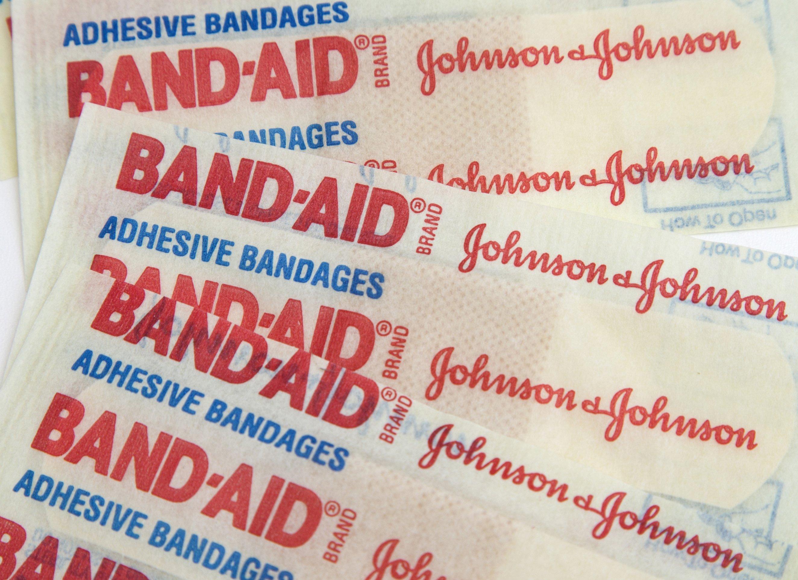 Johnson To Buy Abbotts Vision Unit For 433B