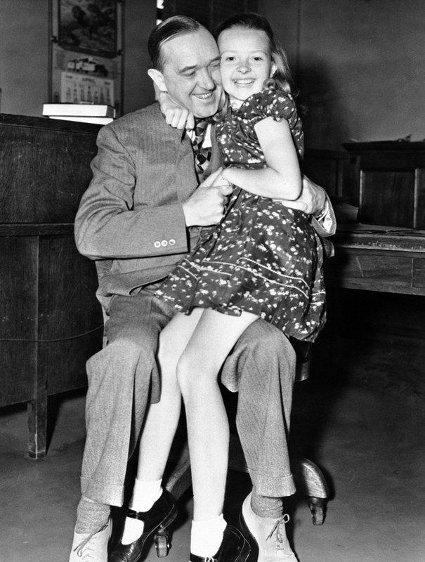 Stan Laurel, Lois Laurel
