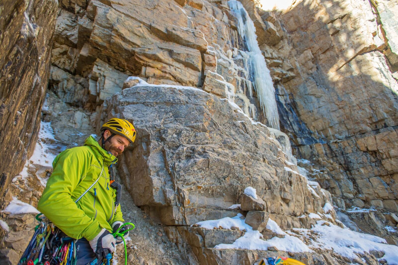 Pakistan helicopter search planned for 2 missing US climbers