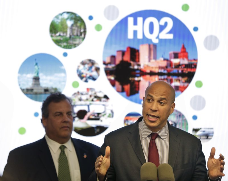 Cory Booker, Chris Christie