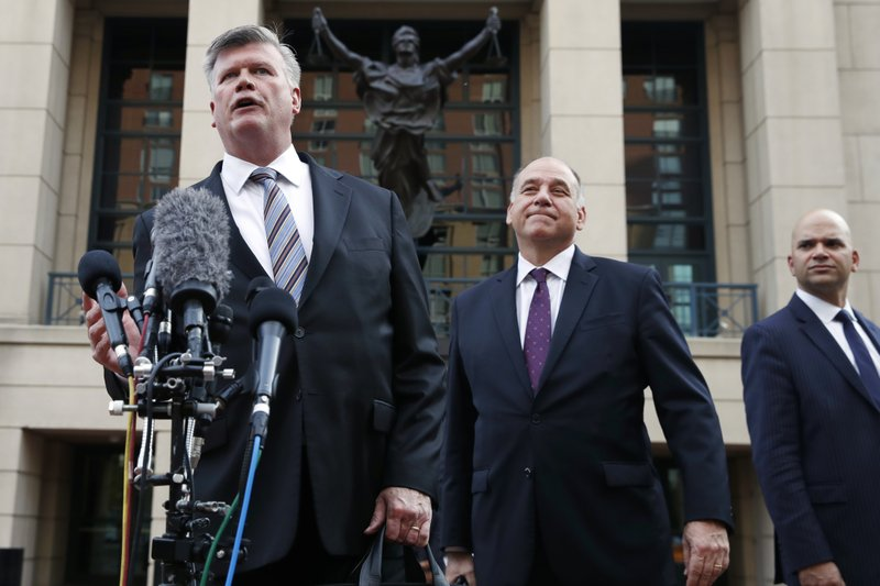 Jury starts deliberation in Manafort trial