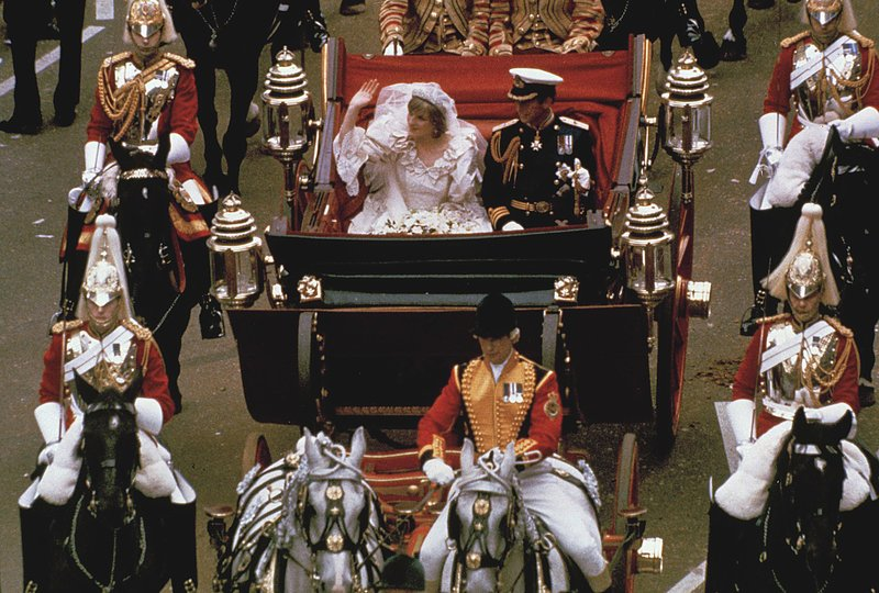 Znalezione obrazy dla zapytania prince charles wedding diana