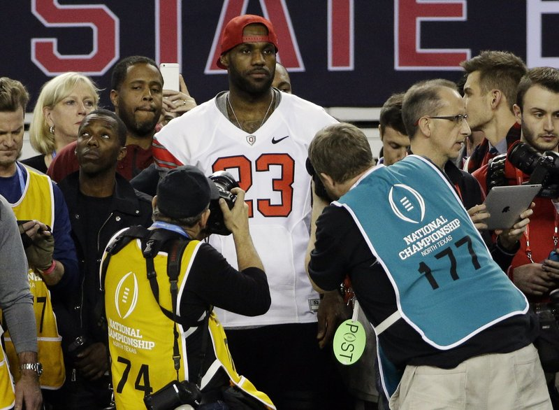 bfc5feb2dc7 Big game James: LeBron attending Ohio State-Michigan game
