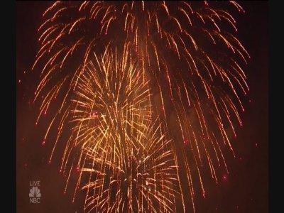 Macy's Fireworks Show Lights Up New York Sky