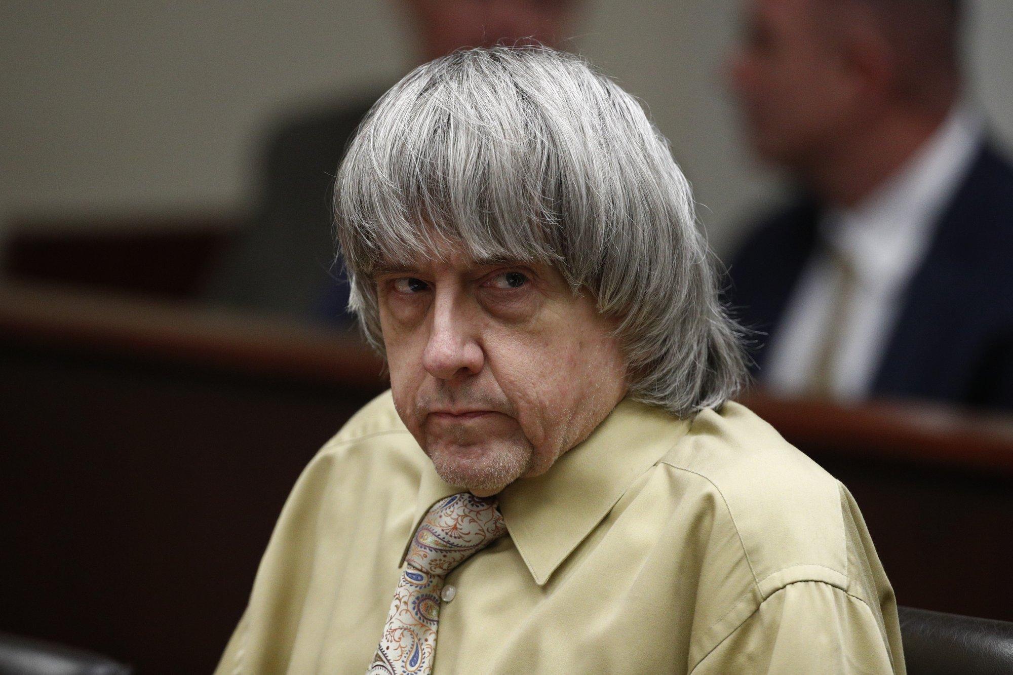 Cadena perpetua para matrimonio de EEUU que torturó a sus 13 hijos