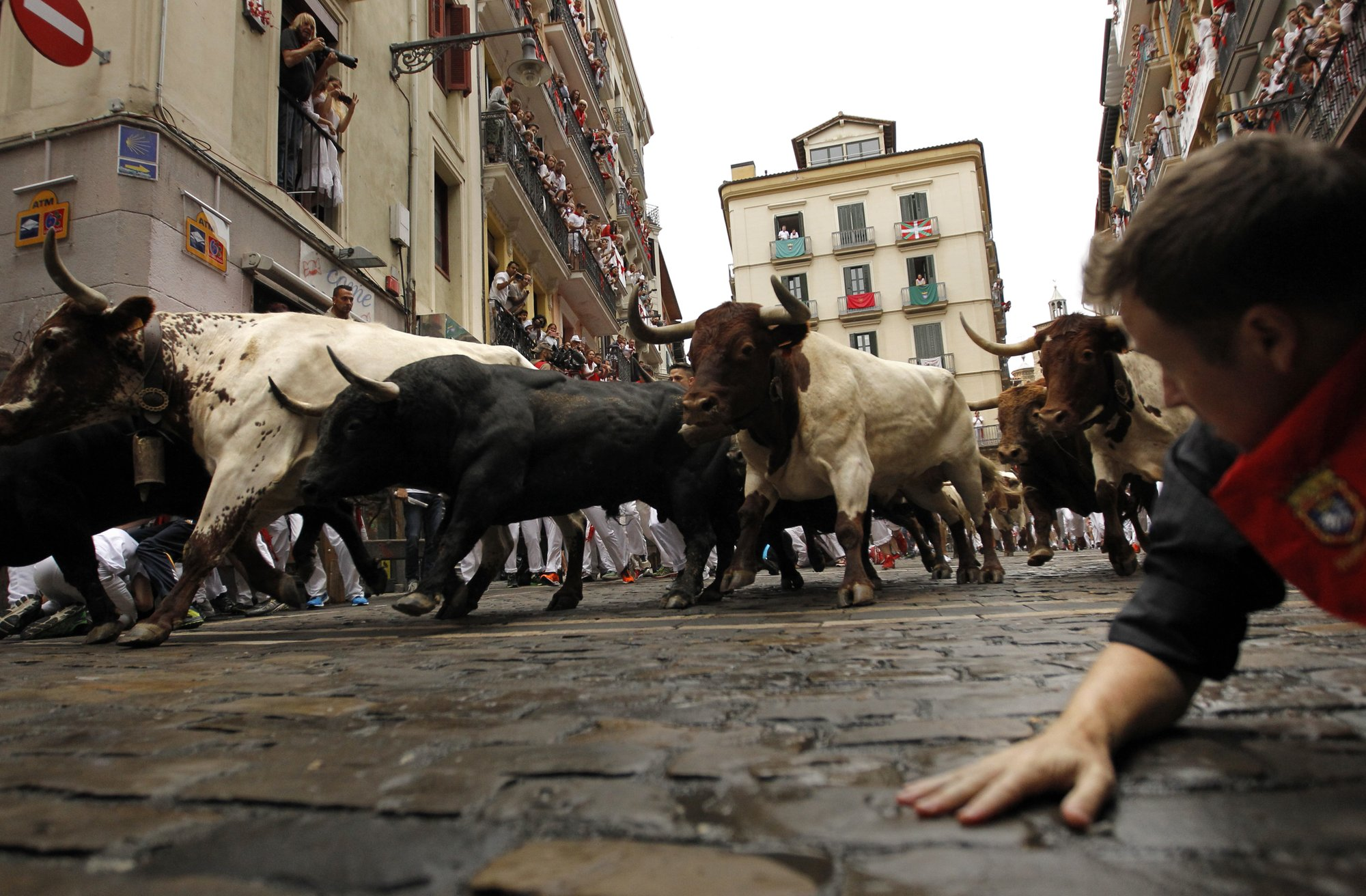 Spain's running of the bulls: 2 injured, no gorings on Day 4