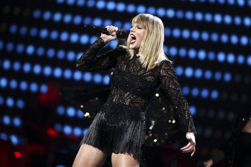 Taylor Swift S Pre Super Bowl Show Might Be Her Only In 2017