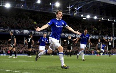 fc54dcd35 Everton beats Burnley 2-0
