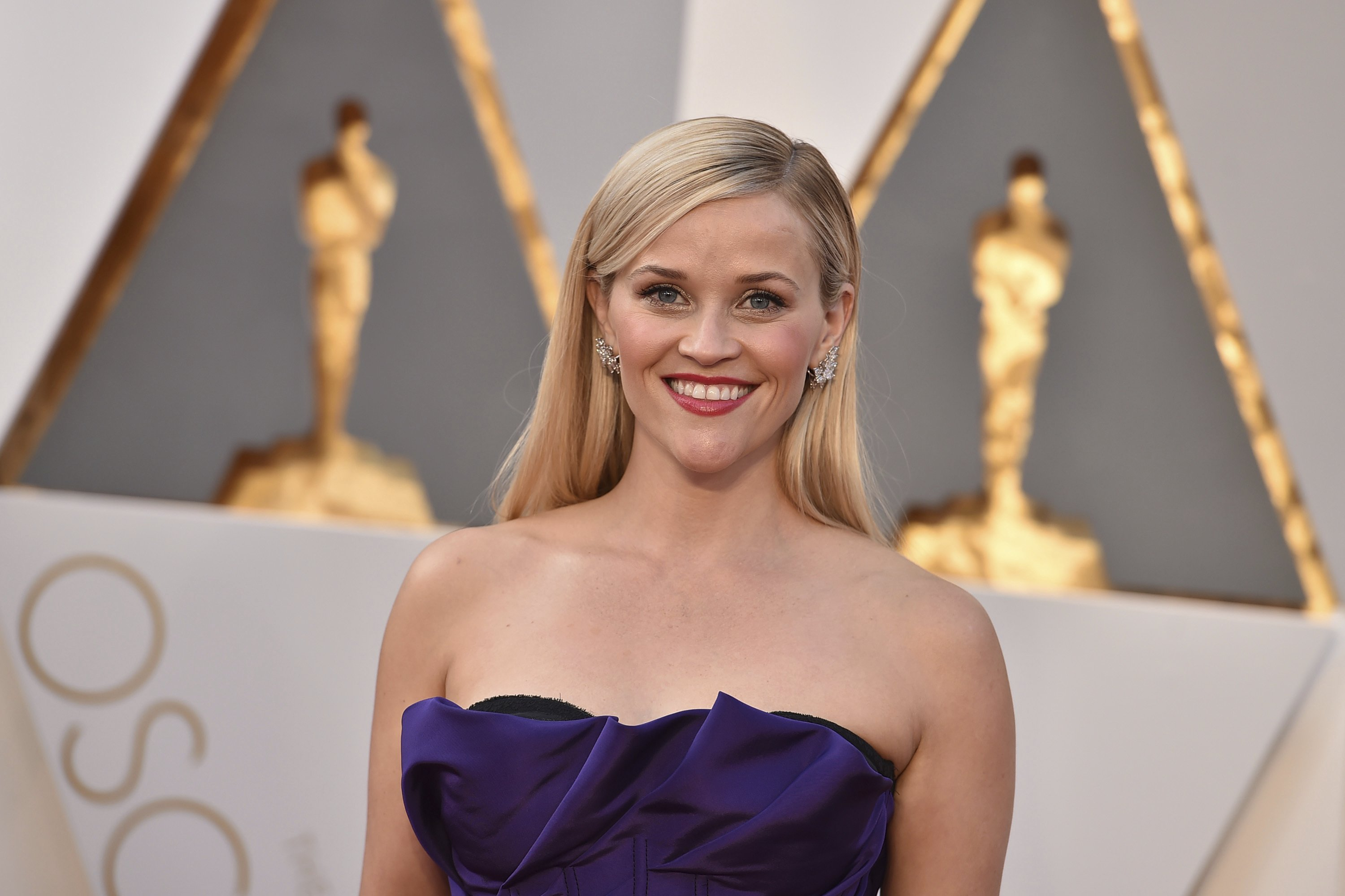 Reese Witherspoon working on lifestyle book