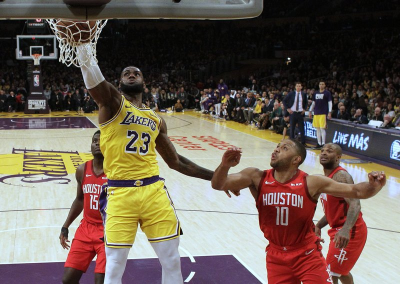 8c288c55b3a9 LeBron rallies Lakers to 111-106 victory over Rockets