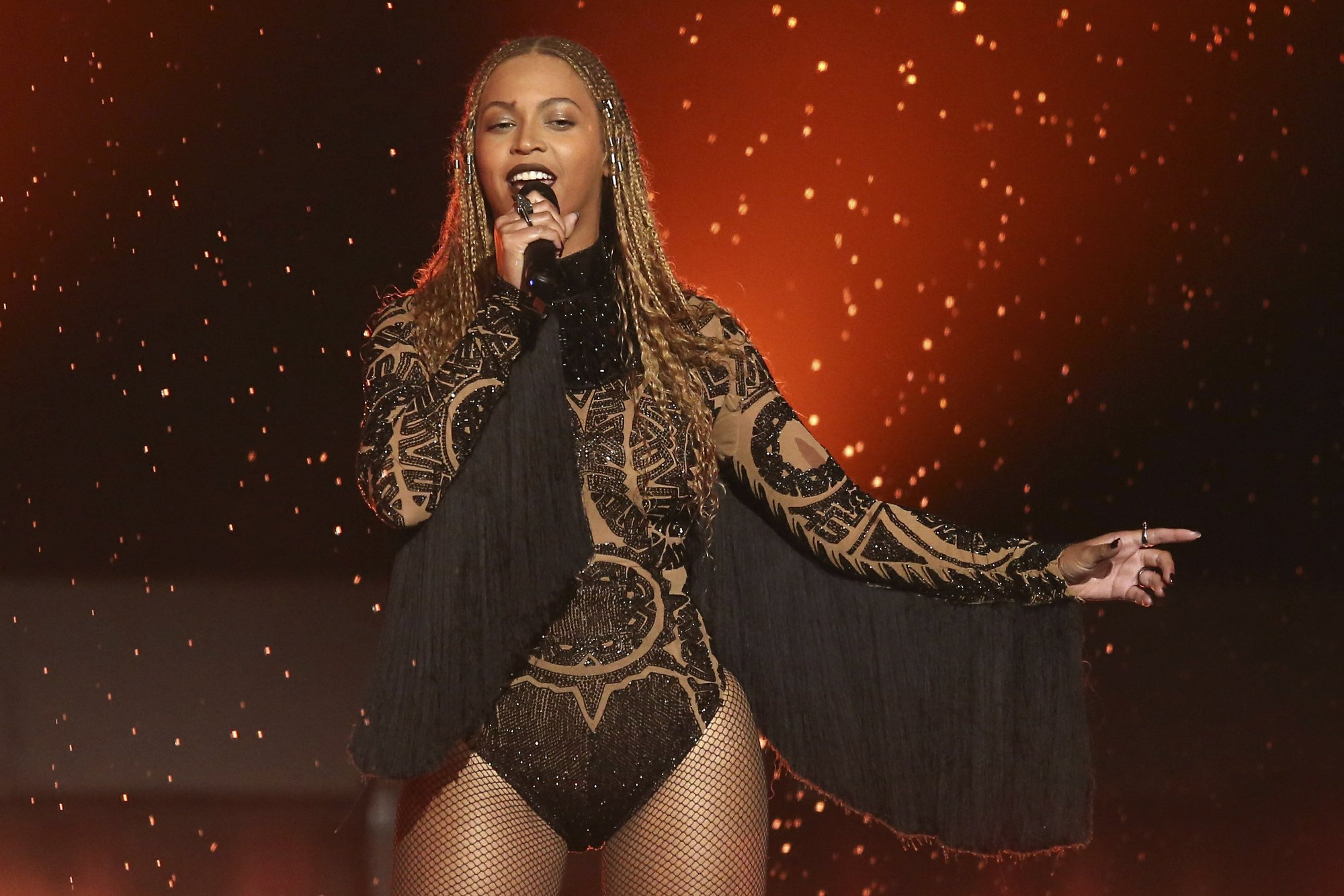 Beyonce sings 'Mi Gente' remix in Spanish for relief efforts