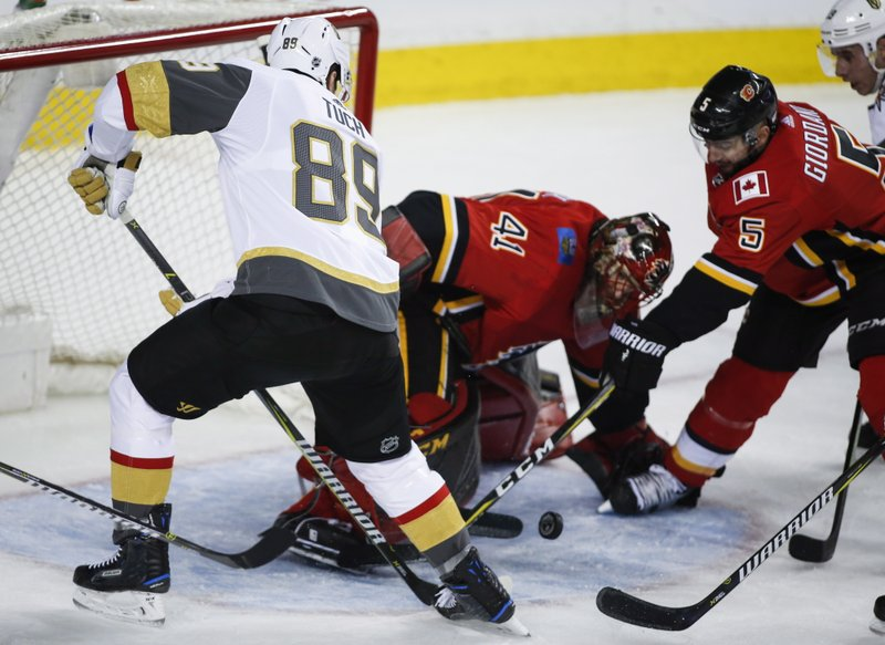Mike Smith, Alex Tuch
