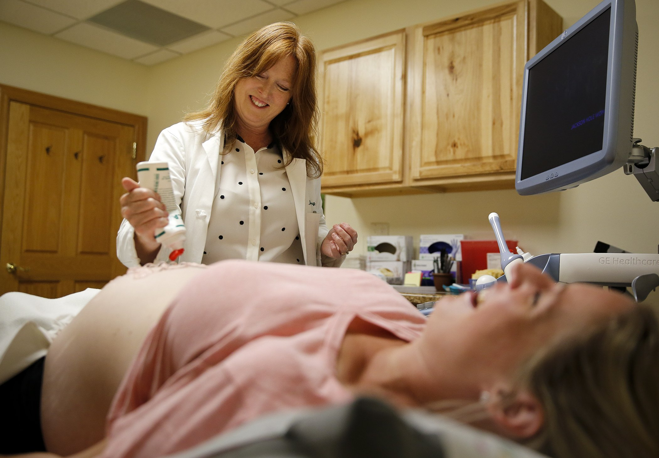 This pregnant woman did an ultrasound and her doctor was stunned