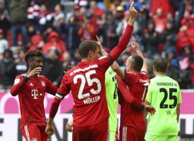 42155796d MUNICH (AP) — Bayern Munich has confirmed that fan favorites Franck Ribery and  Arjen Robben are to leave the club at the end of this season