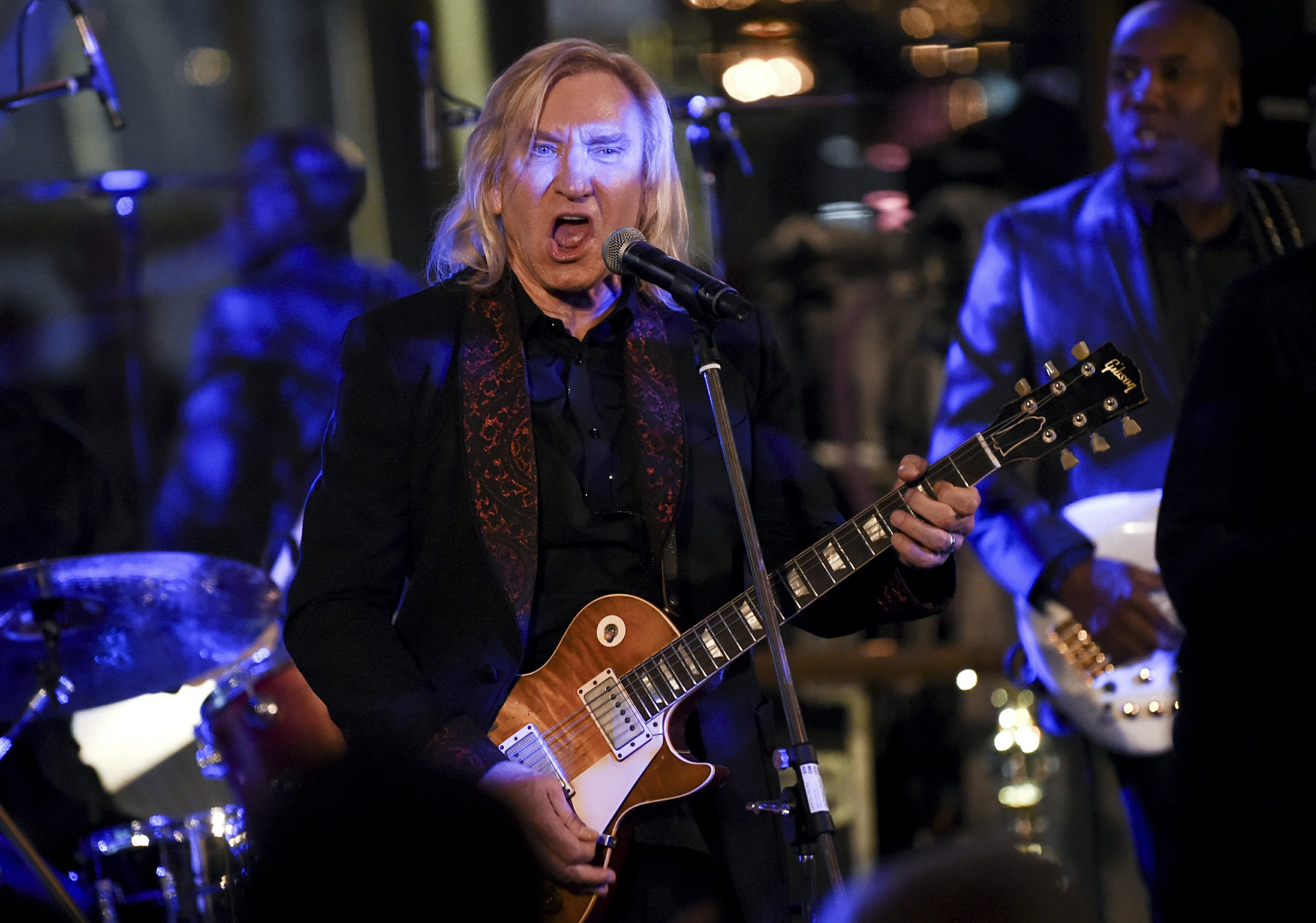 Eagles Joe Walsh Tells His Addiction Story At Gala Evening Between them, they have five children. eagles joe walsh tells his addiction