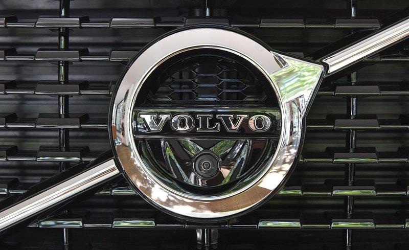 Volvo Trucks Q2 profit surges threefold on strong sales