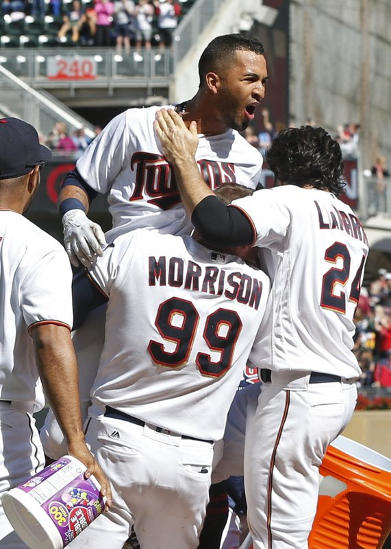 quality design a4ead 97aa8 Rosario's 3rd homer of game lifts Twins over Indians 7-5
