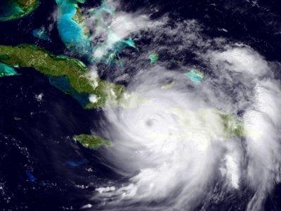 States Urge Evacuations as Matthew Nears Florida