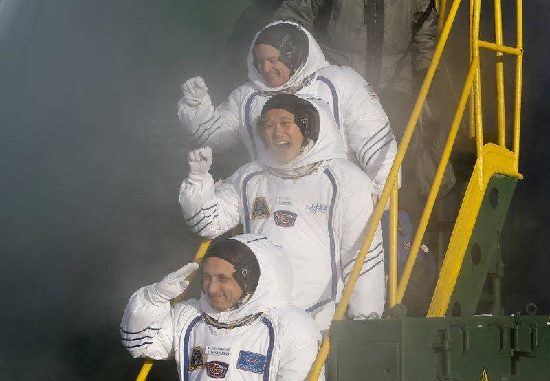 Anton Shkaplerov, Scott Tingle, Norishige Kanai