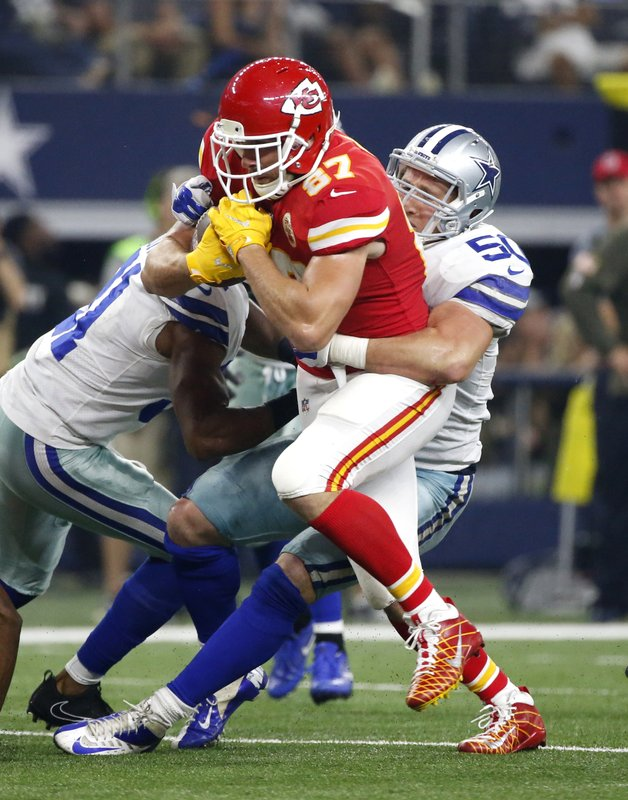 Travis Kelce, Sean Lee