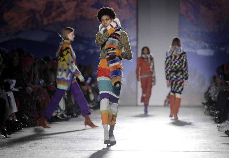 Milan designers hit \u0027empowering women\u0027 theme in fall fashion
