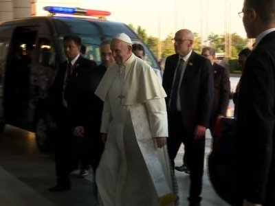 Pope Demands Rights for All in Myanmar