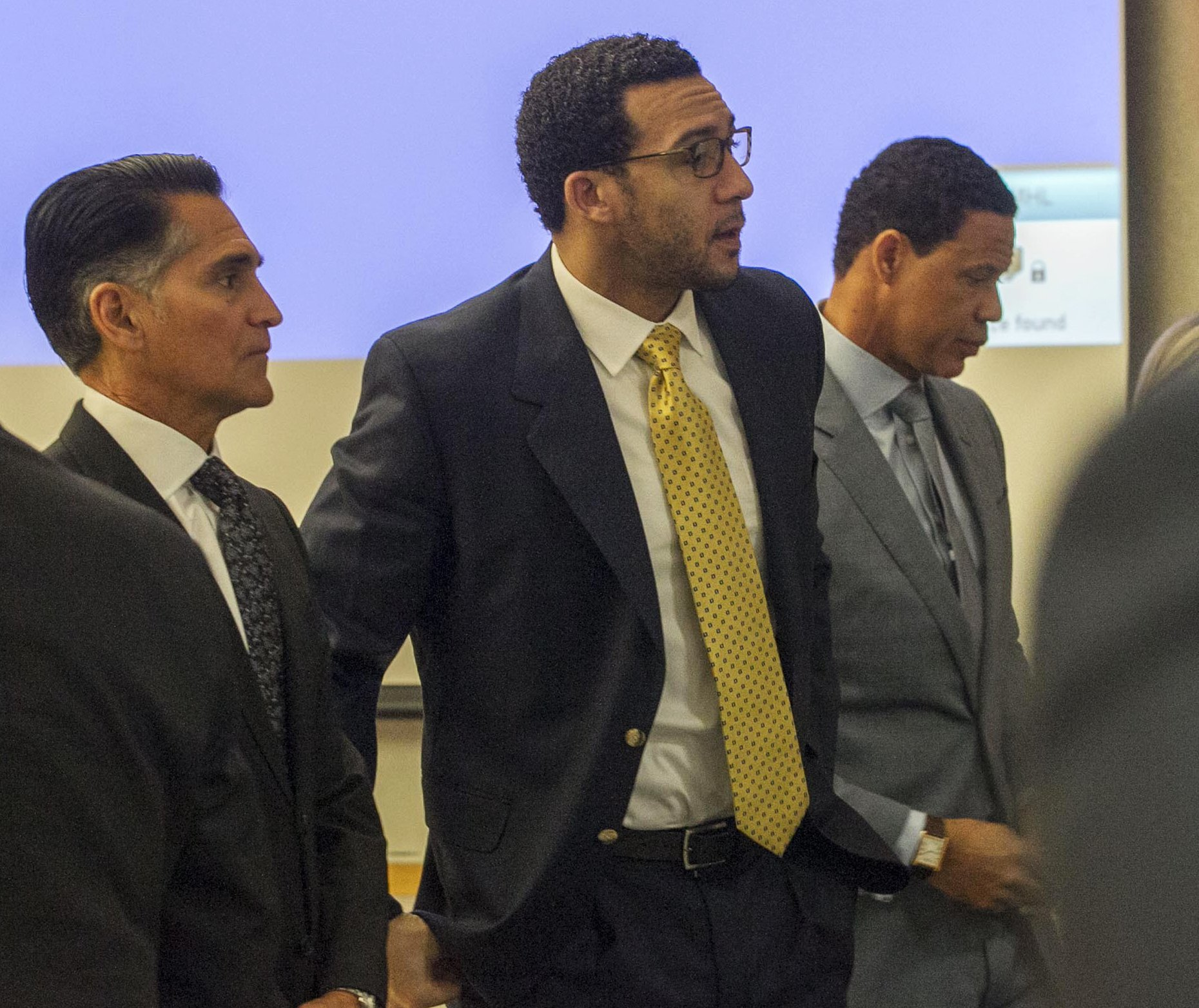 Prosecutor: Ex-NFL player raped homeless woman, 2 others
