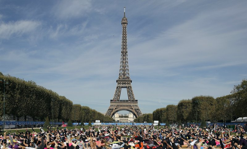 France Fears More Riots Museums Eiffel Tower To Close