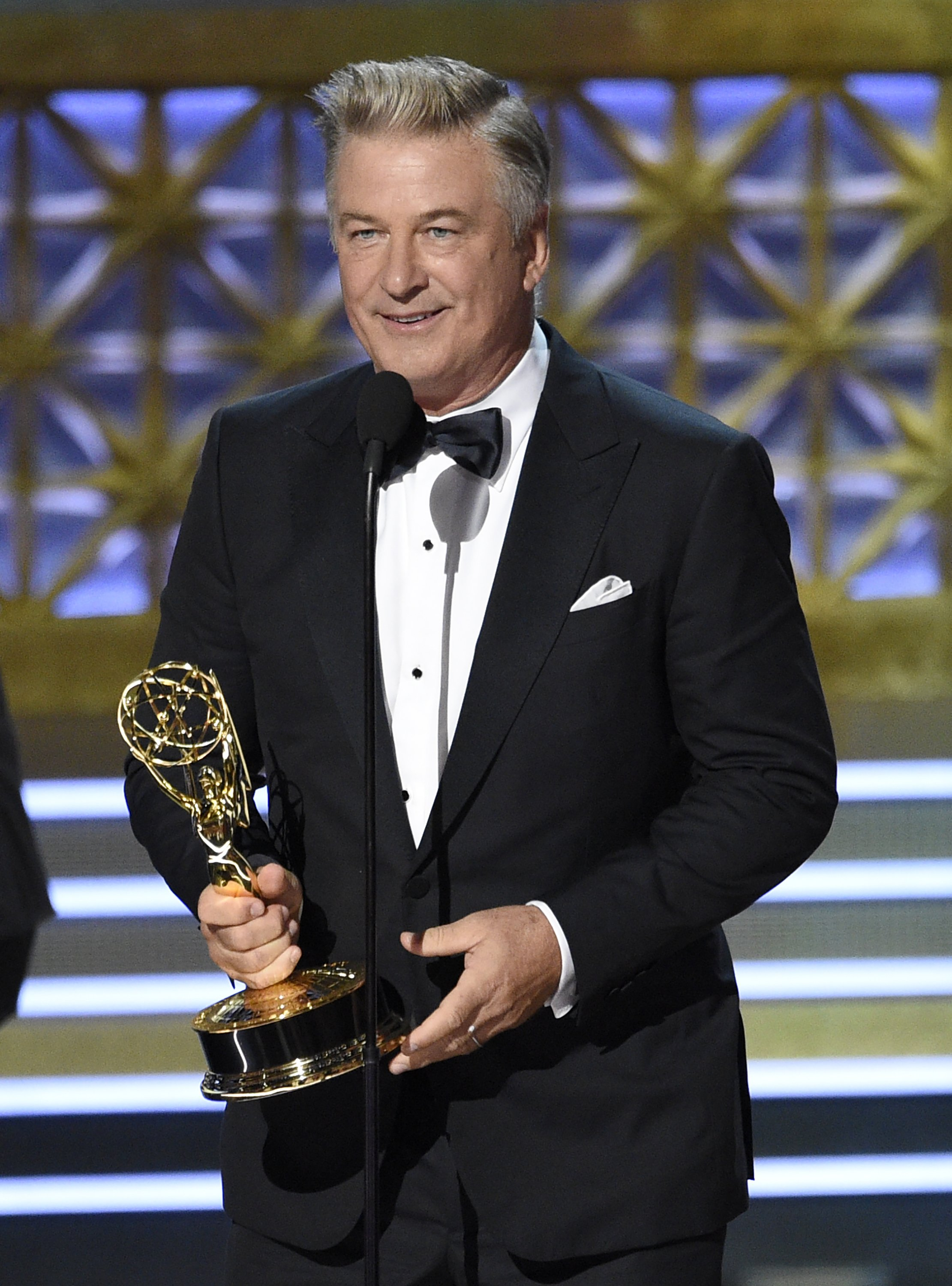 14386b4c The Latest: A bar _ for engraving _ is hit at Emmys ball