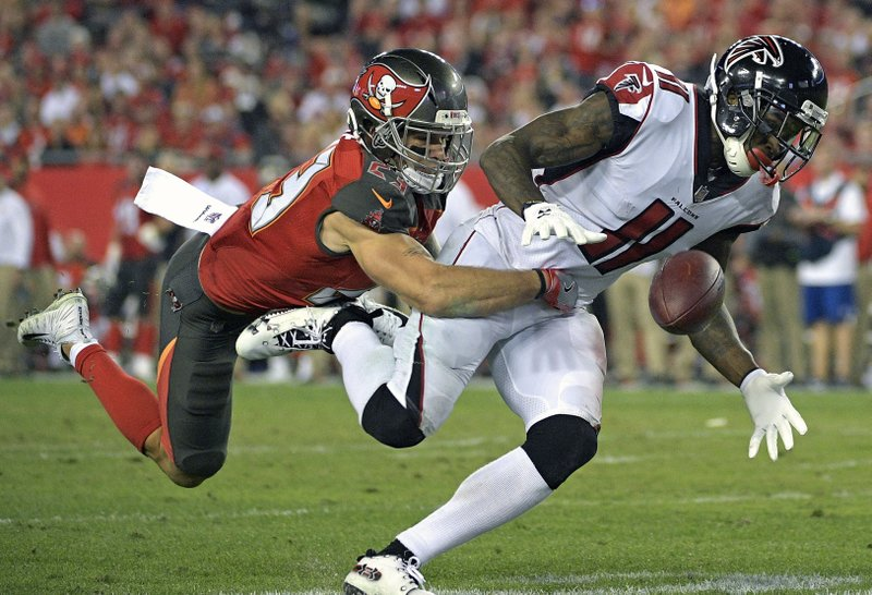 Chris Conte, Julio Jones