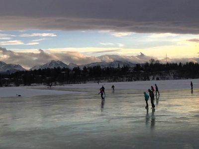 Alaska Basks in Warm Temps As Nation Shivers