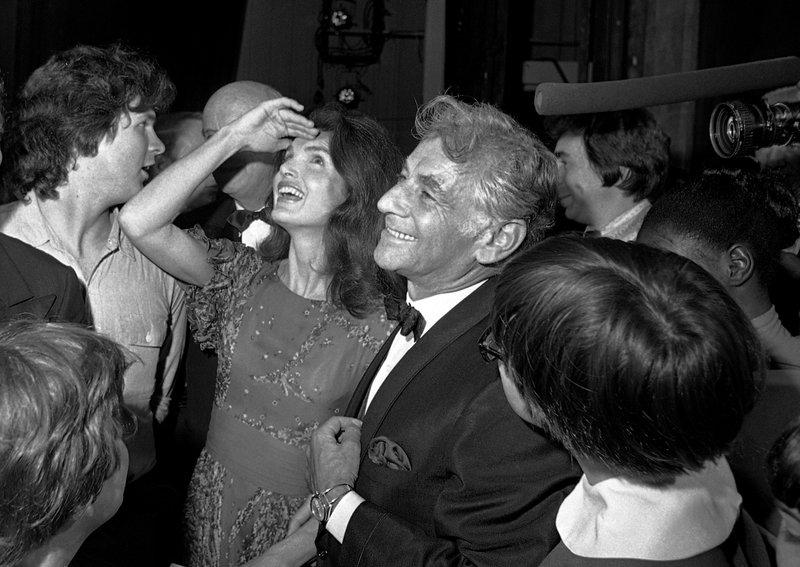 Jacqueline Kennedy Onassis, Leonard Bernstein