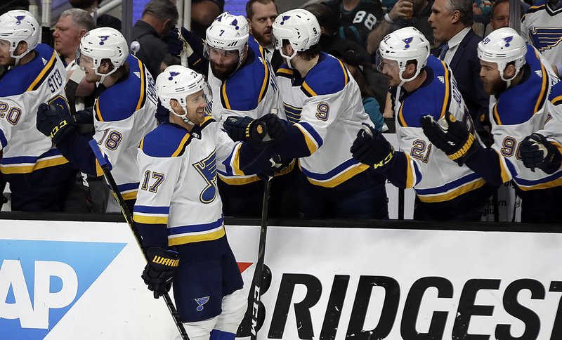 6a52c926e50 Defensive switch helps Blues even West final vs. Sharks