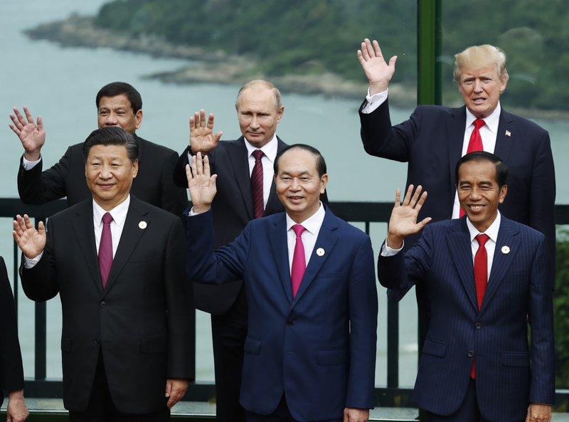 Xi Jinping, Tran Dai Quang, Joko Widodo, Rodrigo Duterte, Vladimir Putin, DOnald Trump