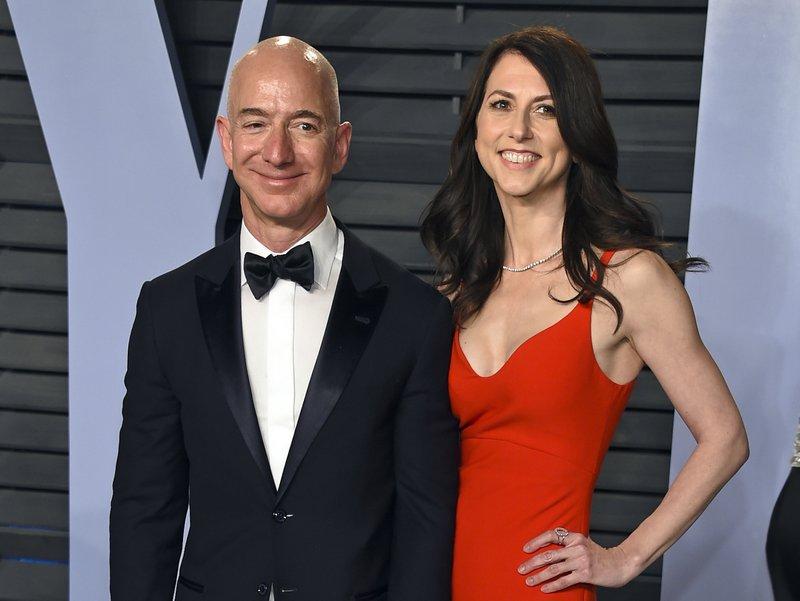 Amazon S Jeff Bezos And Wife Mackenzie Finalize Divorce