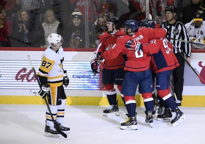 5b0a225c926 ... the second time after taking Evgeni Malkin s shoulder to the head but  returned to score late and lift the Washington Capitals over the rival  Pittsburgh ...