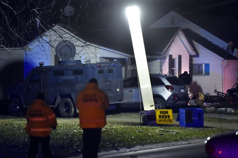 Missouri Officer Killed 2 Hurt When Sent To Wrong House