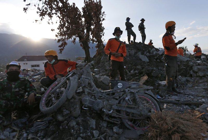 New Indonesia Quake Kills 3 In Java Village Shakes Bali