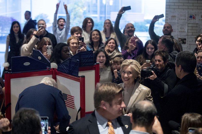 Hillary Clinton, Bill Clinton, Huma Abedin