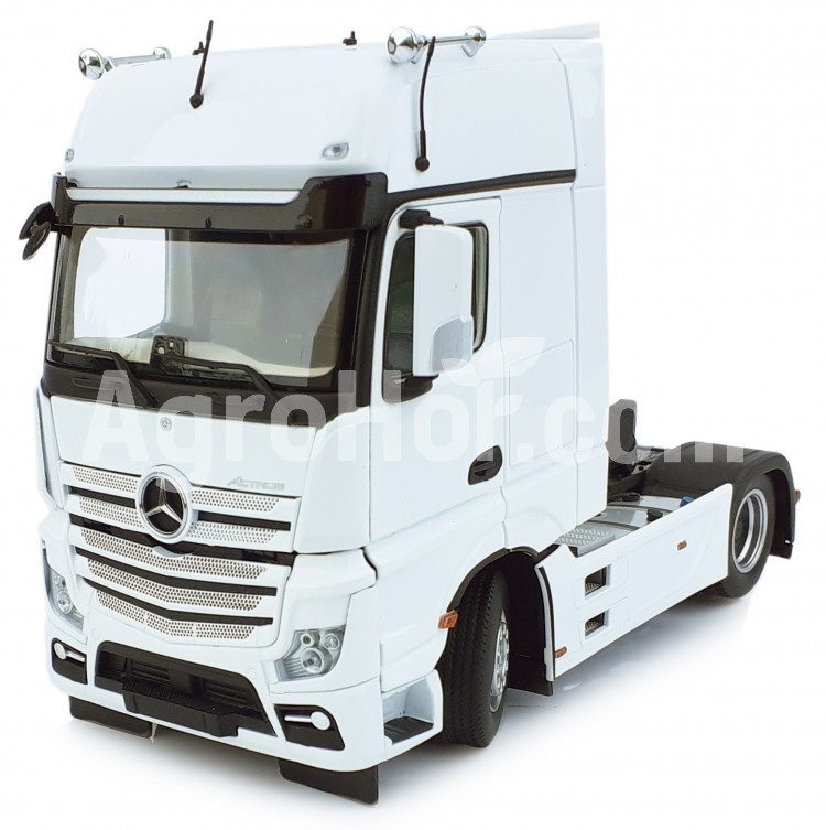Mercedes-Benz Actros Gigaspace 4x2 white