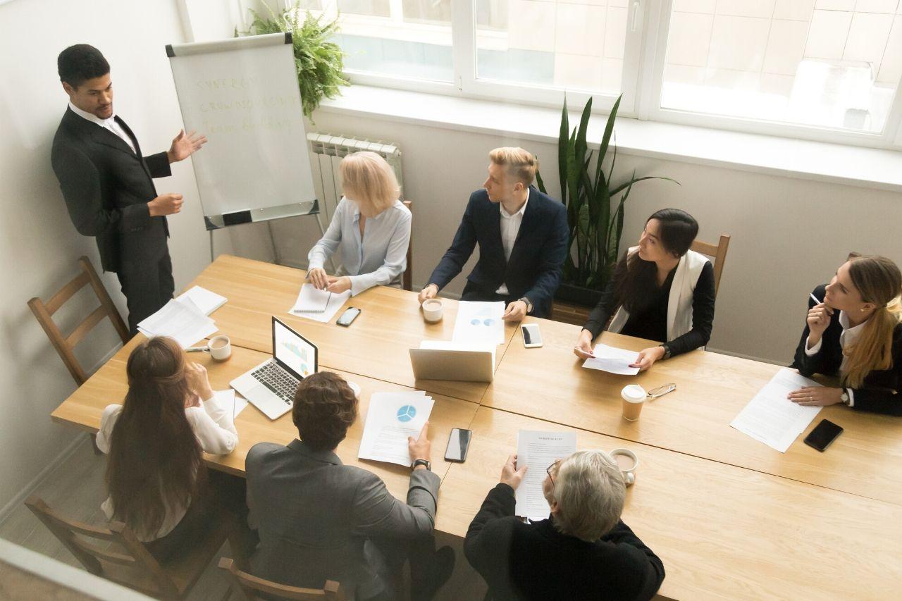 Compliance empresarial: vantagens competitivas e desafios