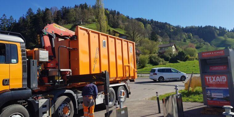 TruckWasteCollector