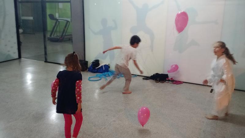 Balões na aula de Karate-do