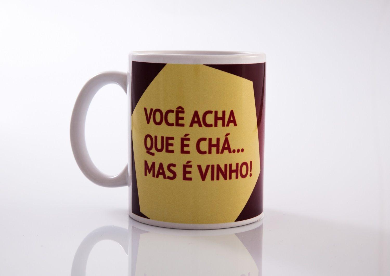 Caneca Você acha que é Café, mas é Vinho - AlamparinA