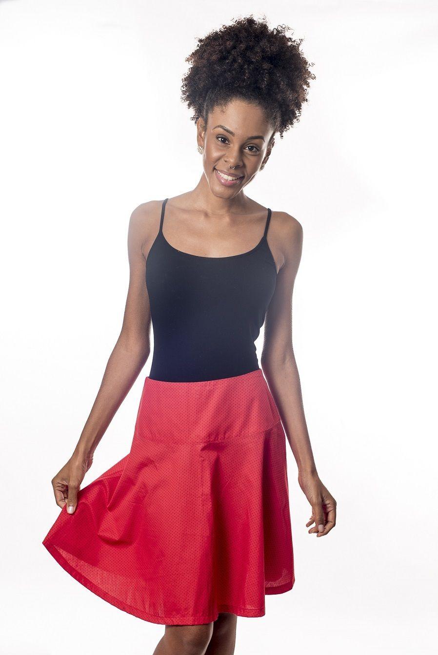 Saia godê fundo vermelho com mini poás pretos - Malumi